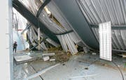 Bild des Schreckens: Beim Einsturz der Turnhalle ging St.Gallen nur knapp an einer Katastrophe vorbei. (Bild: Archiv/Hanspeter Schiess)