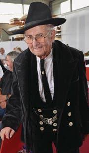 Werner Mai in seinem Zunftgewand. Seine Walz führte ihn in den 50er-Jahren nach Hüttwilen zu Heini Nüssli. (Bild: Margrith Pfister-Kübler)