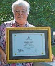 Dankesbriefe und Anerkennungen für ihre Verdienste in der Mikrochirurgie erhielt Rosmarie Frick schon zuhauf. Die Verleihung des Ehrendoktors ist jedoch einzigartig und freut sie besonders. (Bild: Zita Meienhofer)