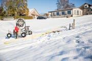 Johannes Solenthaler betreibt auf dem Bischofsberg einen Schneesicheren Kinderskilift inkl. Skischule. (Bild: Mareycke Frehner)