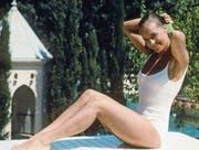 Romy Schneider trägt in «Der Swimmingpool» (1969) Bademode von Courrèges. (Bild: Alamy)