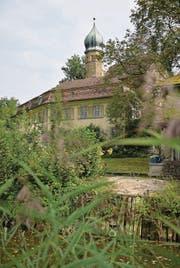 Schlösschen am See: Die Luxburg in Egnach steht seit Jahren leer. (Bild: Reto Martin)