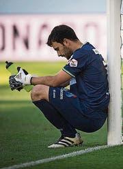 St. Gallen-Goalie Daniel Lopar ist masslos enttäuscht. (Bild: Keystone)