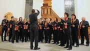 Roland Kuratli leitet den Gemischten Chor Friltschen am Konzert in Schönholzerswilen. (Bild: Rudolf Steiner)