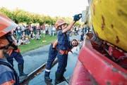 Jugendfeuerwehr repariert lecken Tank (Bild: Donato Caspari)