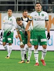 Lange Gesichter nach dem Schlusspfiff: Danijel Aleksic, Andreas Wittwer, Roman Buess und Yannis Tafer (von rechts). (Bild: Andy Mueller/Freshfocus)