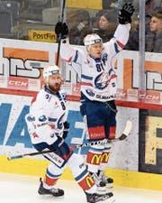 Roland Keninis (rechts) feiert seinen Siegtreffer. (Bild: KEY)