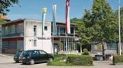 An der Aachstrasse 11 sind die Erler Gemeindeverwaltung und die Post untergebracht; eine andere Nutzung des Areals steht zur Diskussion. (Bild: Georg Stelzner)