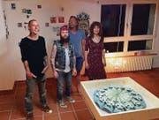 Die Künstler und der Kurator: Kaspar Schumacher, Matthias Schneeberger, Jörg Hubmann und Anna Altmeier. (Bild: Ivan Spiess)