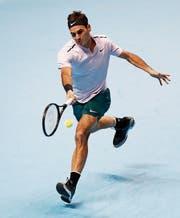 Roger Federer gelingt ein Arbeitssieg, der jedoch glanzlos ausfällt. (Bild: Kirsty Wigglesworth/AP)