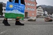 Gerne würde Migros an einem geeigneten Ort in der Gemeinde Sevelen einen Supermarkt eröffnen. (Bild: Heini Schwendener)