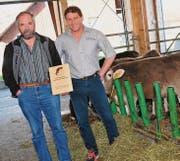 Hansueli Schuler (links) und Magnus Kurath haben gut lachen – sie wurden als Holstein-Züchter des Jahres auserkoren. (Bild: Heidy Beyeler)