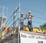 Bauen für die Bildung: SBW Verwaltungsratspräsident und Gesamtleiter Reto Ammann und Geschäftsleitungsmitglied Christoph Bornhauser. (Bild: Urs Brüschweiler)