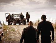 Familiäre Bindungen und heftige Fehden: Szenen aus dem 2015 entstandenen Film «Anime nere» (Schwarze Seelen) über das Innenleben der 'Ndrangheta. (Bilder: Xenix)