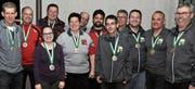 Die Medaillengewinner mit Gesamtsiegerin Heidi Diethelm Gerber (Fünfte von links). (Bild: Peter K. Rüegg)