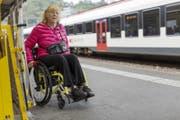 Der behindertengerechte Umbau von Bahnhöfen kommt in der Ostschweiz nur stockend voran. (Bild: (KEYSTONE/Gaetan Bally))