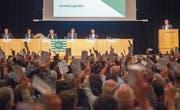 Generalversammlung im Gossauer Fürstenlandsaal: Die Wahl der FC-St. Gallen-Verwaltungsräte fiel für einmal nicht einstimmig aus. (Bild: Urs Bucher)