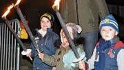 Fackel-Corso zum Start der Sauknapp-Party in Herisau (Bild: noe)