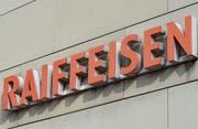 Der Ruf von Raiffeisen Schweiz hat durch den Fall von Ex-CEO Pierin Vincenz gelitten, die lokalen Raiffeisenbanken spüren dagegen unverändert das Vertrauen ihrer Kunden. (Bild: Donato Caspari)