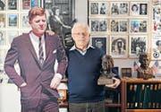 Valentin Alessi ist fasziniert von John F. Kennedy und hat zu Hause diverse Sammlerstücke. (Bild: Reto Martin)