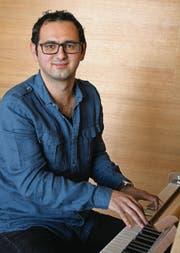 Als ausgebildeter Kirchen- und Schulmusiker fühlt sich Giuseppe Iasiello sowohl in der klassischen Musik als auch in der Populärmusik zu Hause. Mit seinem Chor Roxing widmet er sich ausschliesslich Letzterem. (Bild: Ursula Ammann)