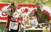 Wenn Daniel Hubmann um Medaillen läuft, ist sein Trainer und Betreuer Kilian Imhof immer nah am Geschehen dran. (Archivbild: übc)