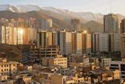 Morning View of the city of Teheran, Iran, Saturday, February 27, 2016. The Swiss President Johann N. Schneider-Ammann attends a three-day-visit to Iran, accompanied by an economic and scientific delegation. (KEYSTONE/Peter Klaunzer) (Bild: PETER KLAUNZER (KEYSTONE))