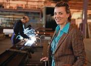 Diana Gutjahr sucht Fachkräfte für die Ernst Fischer AG. (Bild: Nana do Carmo)