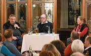 Charles Lewinsky diskutierte unter der Leitung von Annegret Wigger mit Niggi Ullrich. (Bild: PD)