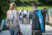 Die ersten Gäste stehen bereits am Mittwoch vor dem OpenAir St.Gallen an. (Bild: Michel Canonica)