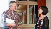 Christoph Bartholdi verdankt und verabschiedet Sheila Pinto. (Bild: PD)