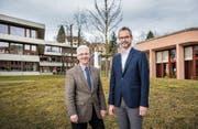 Schulpräsident Urs Blaser (links) und Prorektor Martin Annen nutzen die räumliche Nähe der PHSG zum OZ Buechenwald. (Bild: Urs Bucher)