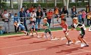 Bereits die Kleinsten kämpfen auf dem Sportplatz Ebnet in Herisau um den Einzug ins Finale im Zürcher Letzigrund. (Bild: gr)