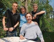 Haben den Zirkus gern: Dagmar und Lucas Pepe Cadonau mit ihren beiden Söhnen Nicolas (l.) und Gian. (Bilder: Ruth Bossert)