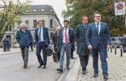 Treffen der nationalen Parteivertreter Albert Rösti (SVP, 2. von links), Andrea Caroni (FDP) und Gerhard Pfister (CVP) mit den Ostschweizer Regierungen; der St. Galler Benedikt Würth (rechts) präsidiert die Ostschweizer Regierungskonferenz. (Bild: Hanspeter Schiess)