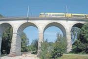 Viadukt Goldach: Der 77 Meter lange Mauerwerksviadukt über die Goldach, gebaut 1856, gehört zu den ältesten Schweizer Bahnbrücken. (Bild: Bruno Knellwolf)