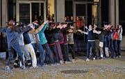Die Studierenden zeigten eine Choreografie. (Bild: Ramona Riedener)