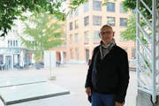 Rambazamba am Rorschacher Marktplatz: Niklaus Looser liebt die Musik, fordert aber mehr Rücksicht auf Anwohner. (Bild: Jolanda Riedener)