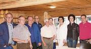 Die Mitglieder und der Vorstand verabschiedeten in Grabs Kassier Jakob Büchel (zweiter von links) mit den besten Wünschen. (Bild: Heidy Beyeler)