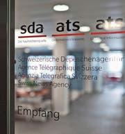 Die SDA-Redaktion droht mit einem Warnstreik. (Bild: Gaëtan Bally/Keystone (Bern, 30. Mai 2012))