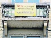 Auf gelben Bannern drücken Anwohner ihren Unmut aus. (Bild: Picasa)