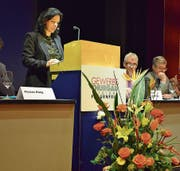 Vizepräsidentin Martina Pfiffner leitet durch die Generalversammlung. (Bild: Samuel Koch)