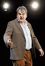 Witziger Soloabend: Mike Müller spielt alle Rollen im Stück selbst.
