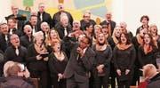 Der Corale Santa Cecilia überzeugte auch bei den Adventskonzerten mit Gospelstar Malcolm Green. (Bilder: zVg)