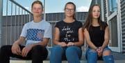 Justus, Julia und Livia haben vergangene Woche an der Kanti Sargans gestartet. (Bild: Ursula Wegstein)
