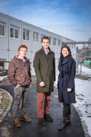 Vorstandsmitglieder der Jungen FDP Kanton St.Gallen: Jan Bauer, Noah Menzi und Vanessa Brühwiler. (Bild: Urs Bucher)