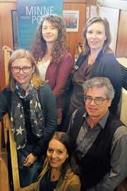 Attraktives Programm zusammengestellt: Ruth Bader, Daniela Sabatino (Konzilstadt Konstanz), Alisa Körner (vorne), Sarah Müssig (Kulturamt) und Kurator Urs Heinz Aerni. (Bild: Brigitte Elsner-Heller)
