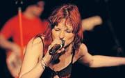 Leadsängerin Tamara Meier gibt auf der Bühne alles. (Bild: Rudolf Steiner)
