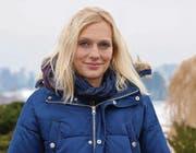 Eine hübsche junge Frau: So sieht Annette Fetscherin ohne ihre Eishockey-Ausrüstung aus. (Bilder: Daniela Ebinger)