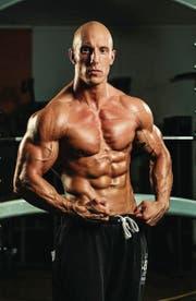 Der Erfolg eines Bodybuilders hängt stark von seiner Genetik ab.
